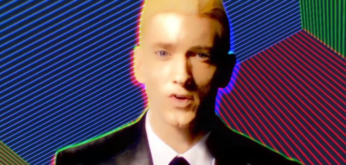 Screenshot von Eminem im Musikvideo zu Rap God
