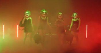 Vier Frauen mit Joker Masken im Trailer von Capital Bra zum Projekt Level